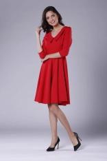 Czerwona Rozkloszowana Sukienka z Ozdobnym Kołnierzykiem