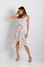 Biała Wzorzysta Asymetryczna Sukienka z Falbankami