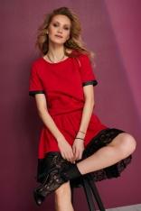 Czerwona Sukienka z Gumkami w Talii Wykończona Koronką