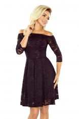 Czarna Sukienka Rozkloszowana Koronkowa z Szerokim Dekoltem