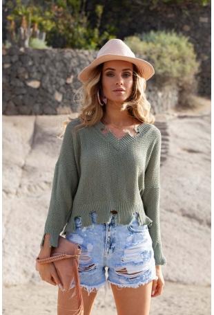 Oliwkowy Krótki Sweter w Szpic z Efektem Rozdarcia