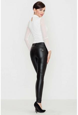 Czarne Woskowane Spodnie z Prostymi Dopasowanymi Nogawkami