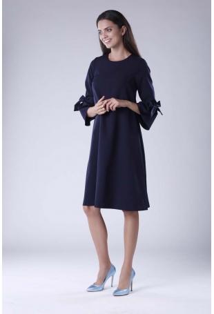 Granatowa Trapezowa Sukienka Wizytowa z Efektownym Rękawem