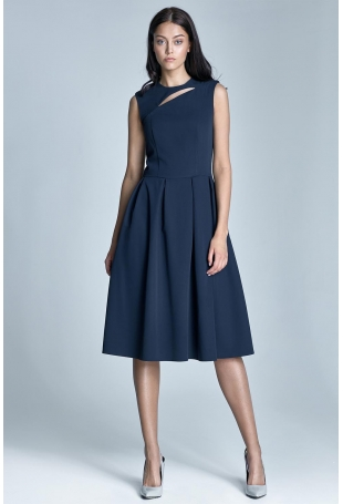 Granatowa Wizytowa Midi Sukienka bez Rękawów z Pęknięciem przy Dekolcie
