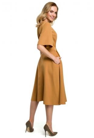 Cynamonowa Rozkloszowana Sukienka z Poszerzanym Rękawem do Łokcia