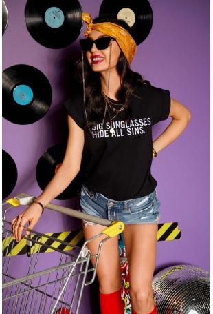 Czarny T-shirt z Haftowanym Napisem