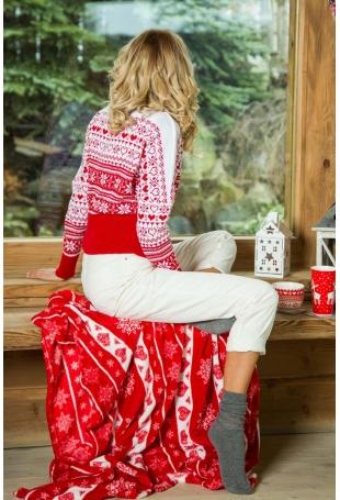 Czerwony Nietoperzowy Sweter w Skandynawskie Wzory