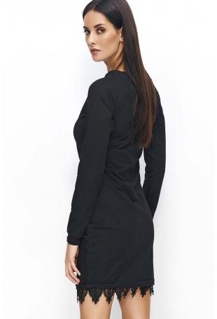 Czarna Sukienka Dzianinowa z Ozdobną Koronką na Dole