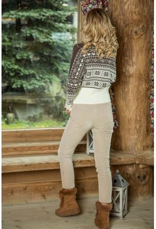 Ecru Nietoperzowy Sweter w Skandynawskie Wzory