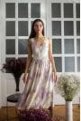 Midi Sukienka na Ramiączkach z Kwiatowym Nadrukiem - Model 3