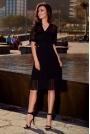 Czarna Elegancka Kopertowa Sukienka z Plisowanym Dołem