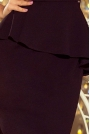 Elegancka Ołówkowa Sukienka Midi z Asymetryczną Baskinką - Czarna