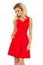 Czerwona Sukienka z Szerokim Dołem w Kontrafałdy