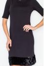 Czarna Elegancka Ołówkowa Sukienka z Futrzaną Wypustką