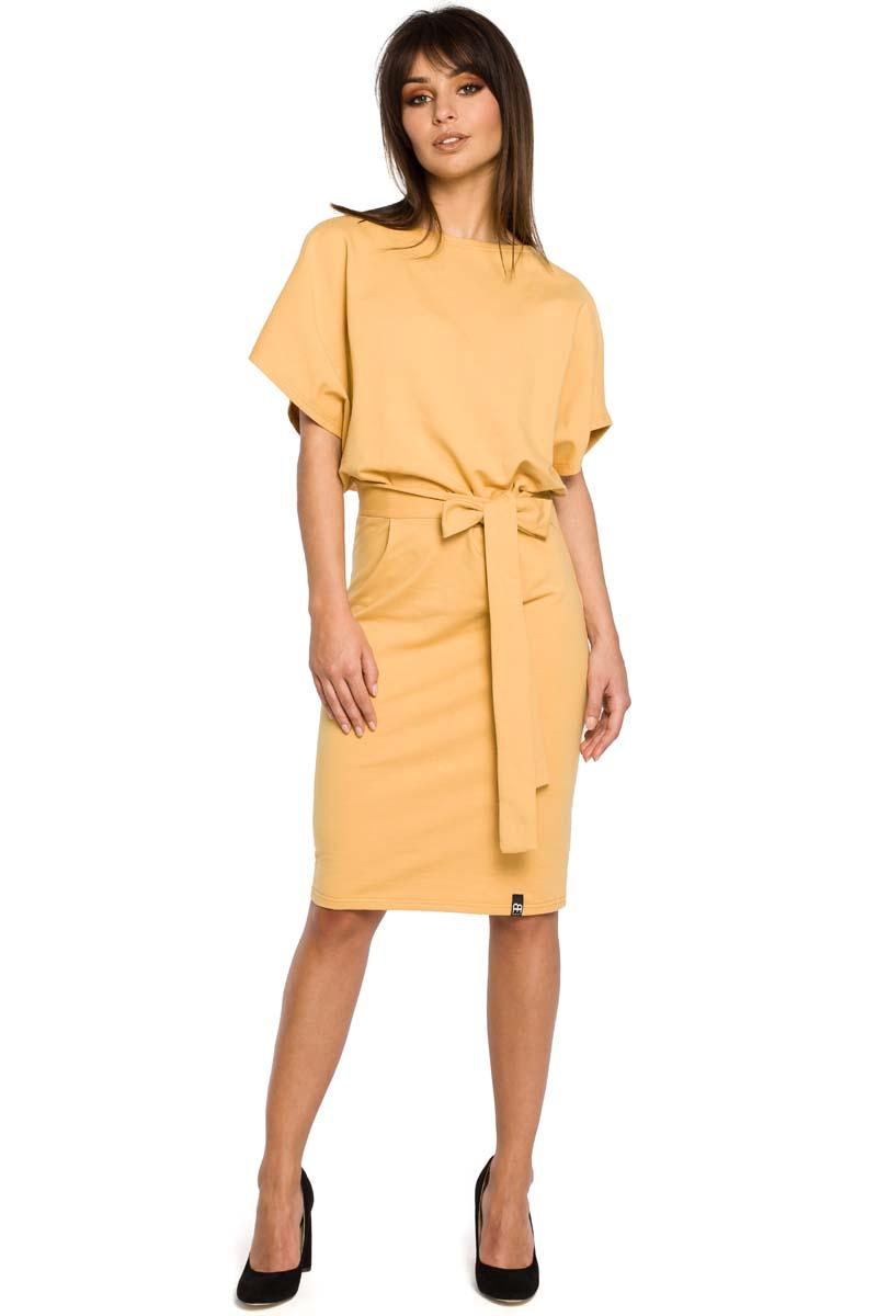 7503e21b63 Żółta Sukienka Przewiązana Paskiem z Nietoperzowym Krótkim Rękawem ...