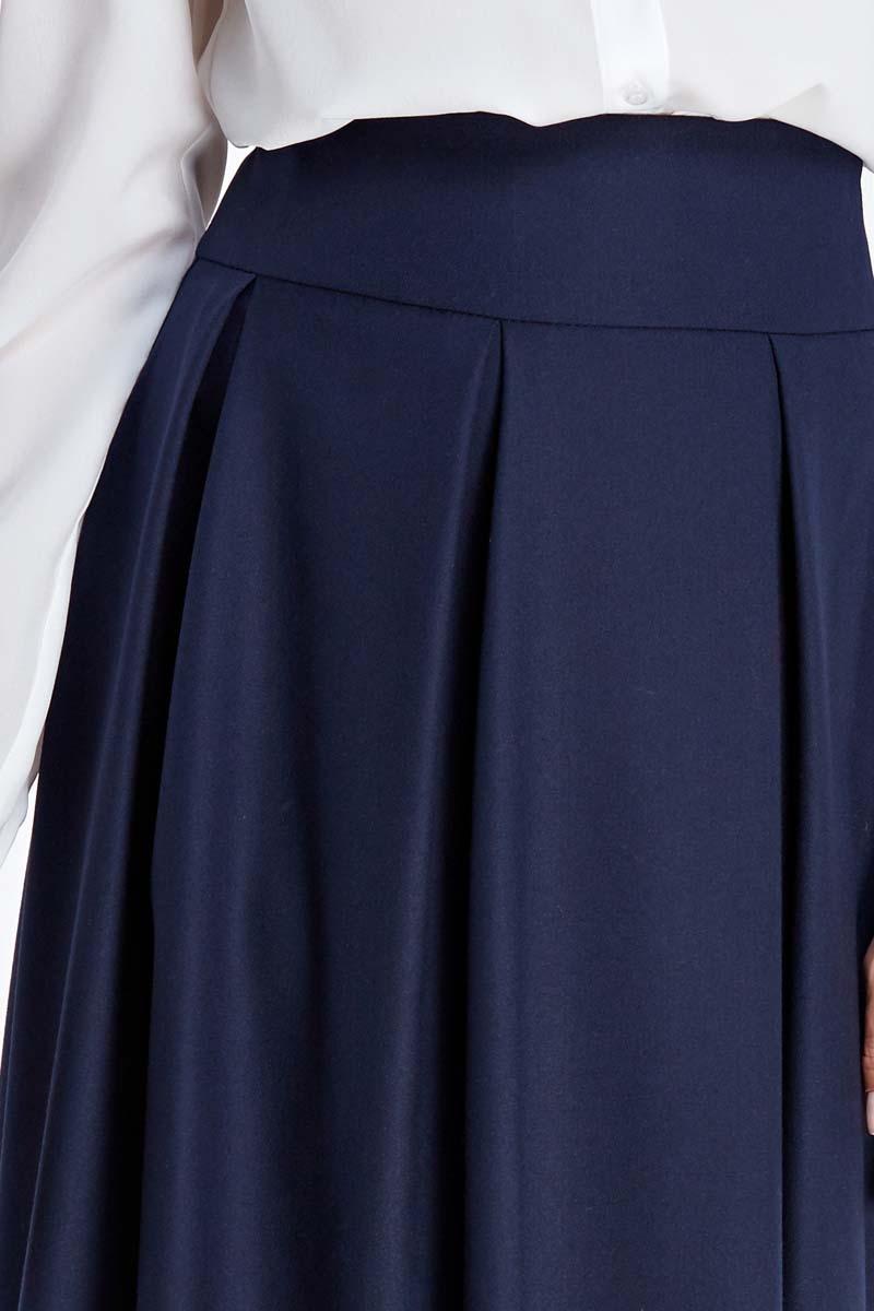 Granatowa, rozkloszowana spódnica z koła z wysokim stanem